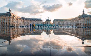 Bordeaux miroir eau